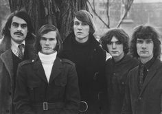 """SOPWITH CAMEL ..    Psych band from San Francisco   ..... Formed in 1965 ..... Peter Kraemer  ..... Terry MacNeil ..... .William """"Truckaway"""" Sievers ..... .Martin Beard ...... .Norman Mayell"""