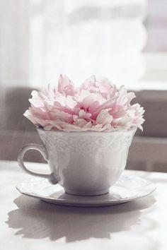 Com um maço de rosas podemos fazer lindos arranjos! É usar e abusar da criatividade...