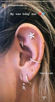 Dainty Diamond Earrings in Solid Gold / Chevron Earrings / V Stud Earrings / Delicate Diamond Studs / Graduation Gift - Fine Jewelry Ideas Jamie Genevieve Ohr-Piercings Jamie Genevieve Ear Piercings Jamie Genevieve Ear Maria Tash Schmuck Daith Piercing, Piercing Face, Pretty Ear Piercings, Ear Peircings, Cartilage Jewelry, Ear Jewelry, Piercing Tattoo, Flat Piercing, Fine Jewelry