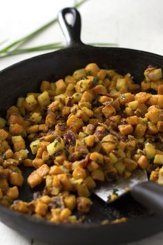 Sweet Potato, Bacon, and Apple Hash - Bringing a bit of excitement to breakfast. Whole30. | WorthCooking.net