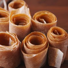 Cinnamon Fruit Roll-Ups The homemade version of your favorite childhood snack.The homemade version of your favorite childhood snack. Fruit Snacks, Fruit Recipes, Healthy Snacks, Snack Recipes, Dessert Recipes, Cooking Recipes, Healthy Recipes, Apple Snacks, Apple Fruit