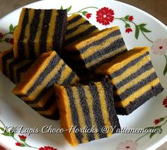 Steamed Layer Cake Recipe, Steamed Cake, Layer Cake Recipes, Indonesian Desserts, Asian Desserts, Asian Snacks, Indonesian Food, Cake Cookies, Cupcake Cakes