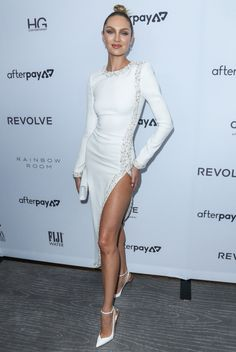 Low Cut Dresses, Dress Cuts, Sexy Dresses, Nice Dresses, Night Outfits, Classy Outfits, Candice Swanepoel Style, Fashion Models, Fashion Outfits