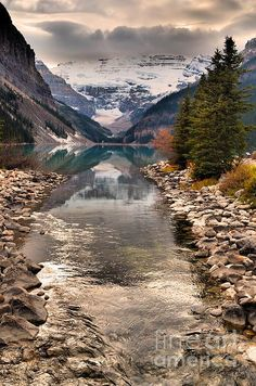 Lake Louise Banff Nat. Park Alberta, Canada