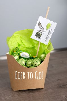 : Eier to go. Happy Easter, Party Favors, Stampin Up, Kindergarten, To Go, Presents, Paper Crafts, Spring, Creative