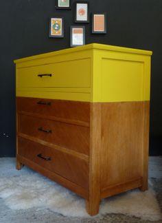 commode-vintage-jaune-2 .... Le jaune pour les meubles = idée intéressante