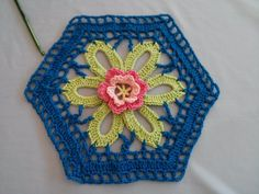 Motif with a flower in the center