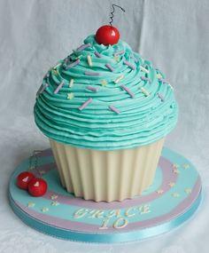 Giant Cupcake Cherry nice Giant Cupcake Cherry nice keksstaub keksstaub Cupcakes 038 Muffins Rezepte www thecustomcakeshop co uk To keep up to date with my nbsp hellip Cupcake ideas Giant Cupcake Recipes, Giant Cupcake Mould, Large Cupcake Cakes, Cupcake Smash Cakes, Big Cupcake, Fondant Cakes, Giant Cake, Giant Cupcakes, Ladybug Cupcakes