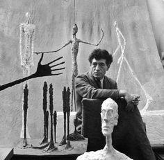 Alberto Giacometti nació el 10 de octubre de 1901. Esta foto fue tomada Lyonel Feininger en 1951.