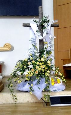 Suncheon Southern Church-Mobile Homepage Easter Altar Decorations, Lent Decorations For Church, First Communion Decorations, Easter Flower Arrangements, Christmas Floral Arrangements, Altar Flowers, Church Flowers, Christian Decor, Kirchen