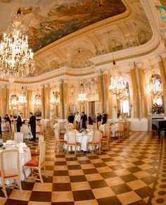 The most prestigious location in Warsaw - Ballroom of the Royal Castle (Poland)