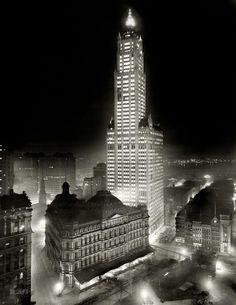 NYC circa 1913... Woolworth Building