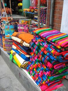 Google Image Result for http://images.travelpod.com/tw_slides/ta00/ca4/fa6/at-the-market-chichicastenango.jpg