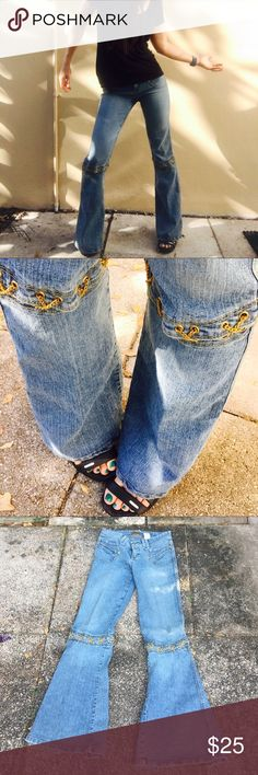 Jeans - small- gold chain threaded at knees Tag says 5/6 I guess that's a junior size?  I normally take 25 or 26.   Awesome gold chaim at knees XOXO Jeans