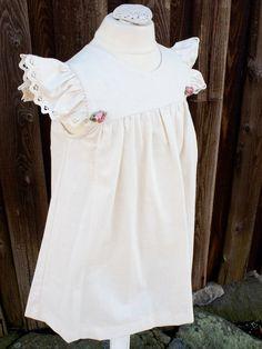 Anna-klänning i linne med rosor - Barnkläder - 100 years