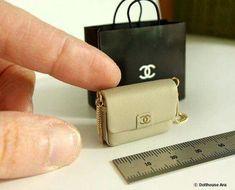 Miniature designer handbag and carry bag in /12 scale