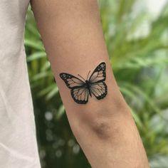 """1,078 curtidas, 22 comentários - ⠀⠀⠀⠀⠀⠀⠀⠀⠀•⠀SAMANTHA SAM⠀• (@samanthatattoo) no Instagram: """"Borboletinha feita no @sampatattoo  Obrigada a todos que acompanham meu trabalho!  #tattoo…"""""""