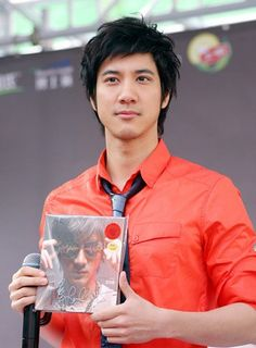 Leehom Wang!  check out his latest: http://www.youtube.com/watch?NR=1=endscreen=yZFHZmykg9w