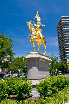 JOAN OF ARC by Emmanuel Frémiet on Philadelphia's Benjamin Franklin Parkway (Photo: T. Scheid for GPTMC)