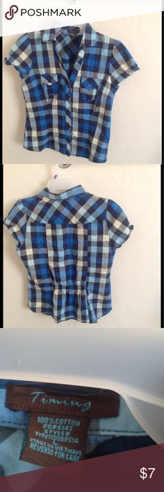 Short sleeve blouse Cute short sleeve blouse. Gently worn great condition, no damage Tops