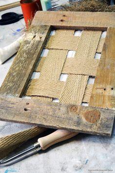 Taller de tapicería Furniture Projects, Furniture Makeover, Furniture Covers, Furniture Decor, Painted Furniture, Chalk Paint Fabric, Chair Repair, Diy Headboards, Diy Chair