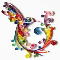 What is Quilling Paper? In this article, you'll learn everything about quilling paper art. Paper Quilling Flowers, Quilling Animals, Paper Quilling Patterns, Quilled Paper Art, Quilling Paper Craft, Quilling Ideas, Quilling Images, Quilling 3d, Fondant Flowers