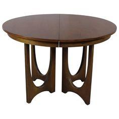Mid-Century Modern Broyhill Brasilia 6140-1645 Round Pedestal Base Dining Table
