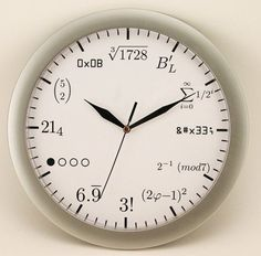 A clock that the humanities course person can not understand.