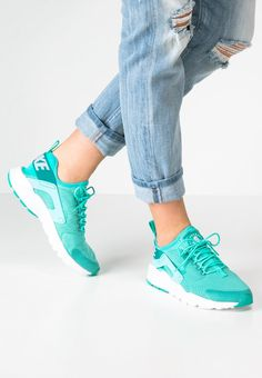 Femme Nike Sportswear AIR HUARACHE RUN ULTRA - Baskets basses - hyper turquoise/white turquoise: 130,00 € chez Zalando (au 08/03/16). Livraison et retours gratuits et service client gratuit au 0800 740 357.