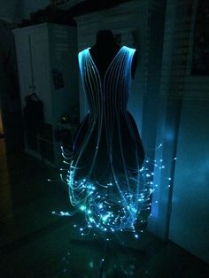 Well clearly I have to have this. I have no clue why I just do. Instructions for making a Fiber Optic dress!!!