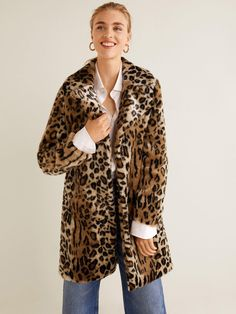 Leopard faux-fur coat – Women Unstructured design Leopard print Long sleeve Lining Classic collar Hook closure Twin side pockets Winter School Outfits, Winter Outfit For Teen Girls, Winter Outfits For Work, College Outfits, Fall Outfits, Casual Outfits, Outfits For Teens, Mantel Leo, Cute Christmas Party Outfits