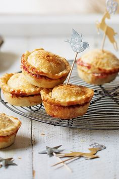 These mince pies are ultra fruity and crammed with deliciously juicy clementines and cranberries. | Tesco