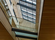 The Hunter Douglas solid wood system is available in both open and closed formats that can be specified as either a fixed or demountable system, allowing easy access into the void. The open system chosen for the Syston offices ensures that the 1200m2 of ceiling retains the required linear appearance whilst still offering a high level of acoustic absorption.