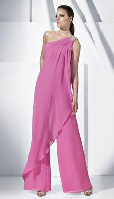 ¿Qué te parece esta prenda para lucirla en tus fiestas y eventos de gala? Es original, y llamarás la atención por tu elegancia. #monosparainvitadas #bodas