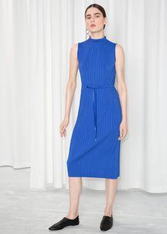 4203606bd7f Model front image of Stories null in blue Outfit, Afslappet, Hvordan Man  Skal Bære