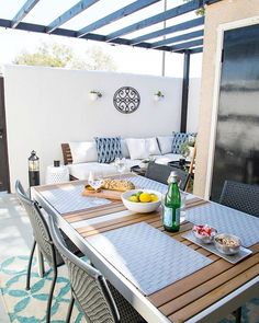 A Small Patio Makeover - The Design Souk White Garden Stools, Outdoor Dining Chairs, Outdoor Space, Outdoor Dining Table, Outdoor Furniture Sets, Living Room Color, Dining Rug, Patio Makeover, Small Scale Furniture