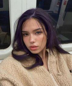 - Trend Hair Makeup And Outfit 2019 Hair Color Purple, Hair Dye Colors, Blue Hair, Unique Hair Color, Purple Hair Streaks, Girl With Purple Hair, Short Grunge Hair, Dye My Hair, Dyed Red Hair