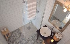 Marockanskt kakel i badrum Loft Bathroom, Ensuite Bathrooms, Bathroom Flooring, Moroccan Tile Bathroom, Bathroom Renos, Bathroom Renovations, Bathroom Ideas, Moraccan Tile, Boden