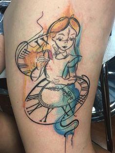 Trendy Tattoo Disney Alice In Wonderland Book Ideas Disney Aquarell Tattoo, Disney Watercolor Tattoo, Alice In Wonderland Tattoo Sleeve, Alice And Wonderland Quotes, Alice In Wonderland Artwork, Neue Tattoos, Body Art Tattoos, Tattoo Ink, Tatoos