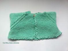 Con hilos, lanas y botones: DIY cómo hacer una chaqueta a punto bobo para bebé paso a paso (patrón gratis) Knitting For Kids, Baby Knitting, Knit Crochet, Crochet Hats, Baby Cardigan, Macarons, Lace Shorts, Knitted Hats, Diy