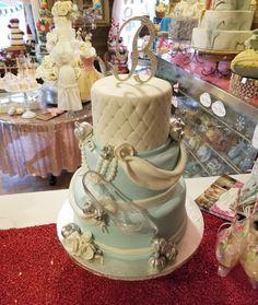 www.carinaedolce.com #carinaedolce www.facebook.com/carinaedolce Quinceanera Cakes, Sweet 16, Facebook, Desserts, Food, Meal, Sweet Sixteen, Deserts, Essen