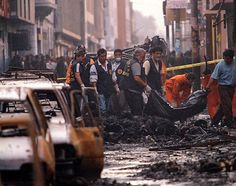 En la noche previa a el fin de año,en Lima Peru se sucito un gran incendio en un lugar llamado Meza Redonda, en el centro de Lima-Peru ,las fotos al dia siguiente.El Comercio