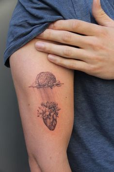 Post with 7150 views. Brain and heart by the wonderful Ghinkos. Aa Tattoos, Forarm Tattoos, Dainty Tattoos, Mini Tattoos, Unique Tattoos, Body Art Tattoos, Small Tattoos, Sleeve Tattoos, Tattoos For Guys