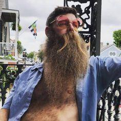 for men who love long bearded men Bald With Beard, Full Beard, Beard Love, Big Beard Styles, Hair And Beard Styles, Long Hair Styles, Grey Beards, Long Beards, Hairy Men