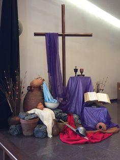 Easter Altar Decorations, Lent Decorations For Church, Kids Church Decor, Altar Design, Holy Thursday, Church Stage Design, Church Flowers, Church Banners, Kirchen