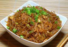Ki ne szeretné a kínait, ugye? Az itt felsorolt receptek hamarabb elkészülnek, minthogy odaérnél a hozzád legközelebb eső gyorsétterembe, a rendelésről nem is beszélve...