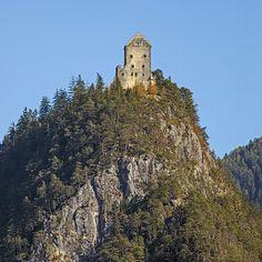 Burg in Tirol. Medium Art, Monument Valley, Nature, Travel, Social Media, Viajes, Traveling, Nature Illustration, Off Grid