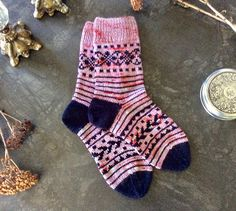 These socks are inspired by the color changes of aged patina, and the intricate beauty of ironwork. I thought this would be a fun sock design that can combine the beauty of hand dyed yarns with the colorwork design, in a simple, yet engaging pattern. Fair Isle Knitting, Loom Knitting, Knitting Socks, Hand Knitting, Knitting Patterns, Knit Socks, Knitting Tutorials, Knitting Projects, Stitch Patterns