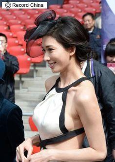 ▼12May2014レコードチャイナ|リン・チーリンのドレス姿に熱視線!美しい背中たっぷり、痛恨ミス挽回―北京市 http://www.recordchina.co.jp/group.php?groupid=87903type= #Lin_Chi_ling #Lin_Chiling #林志玲