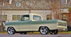 1967 Ford F100. This is really nice in these pastel type colours. Nice job!!